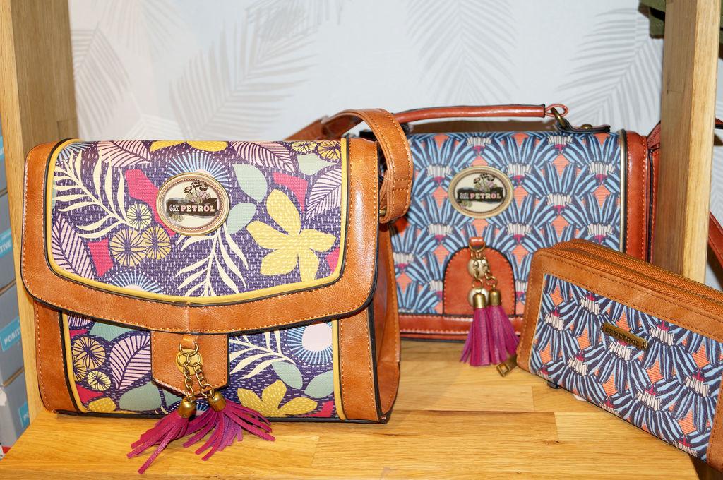 Petits sacs, style cartable avec beaucoup de caratère, des motifs très originaux et des couleurs qui donnent envie... Création Lili Petrol